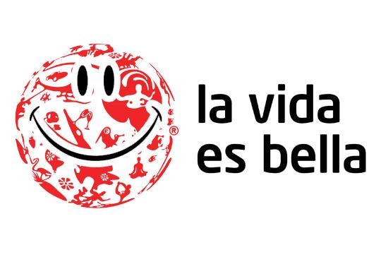 sonríe, la vida es bella
